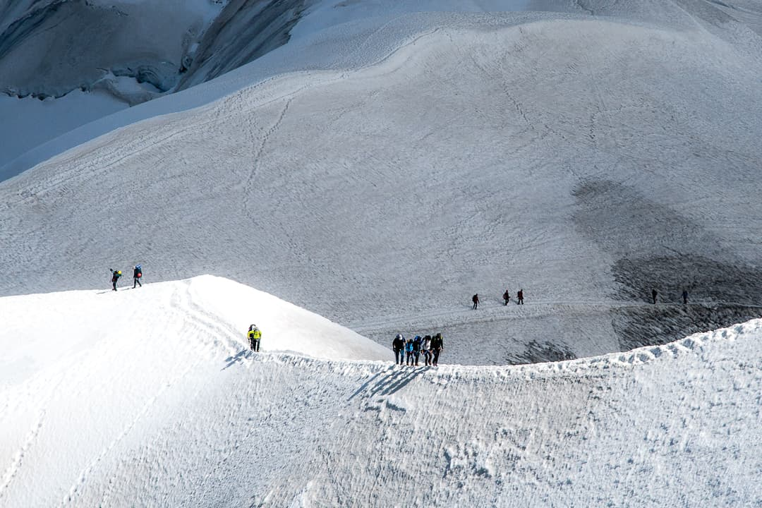 series outside landscape cityscape photo by taspho photography-mont blanc hikers in snow